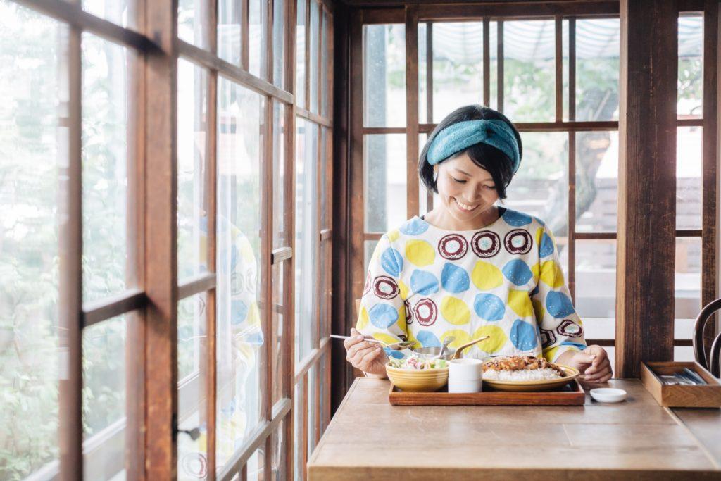 小山さんと山形米澤豚のカツカレー