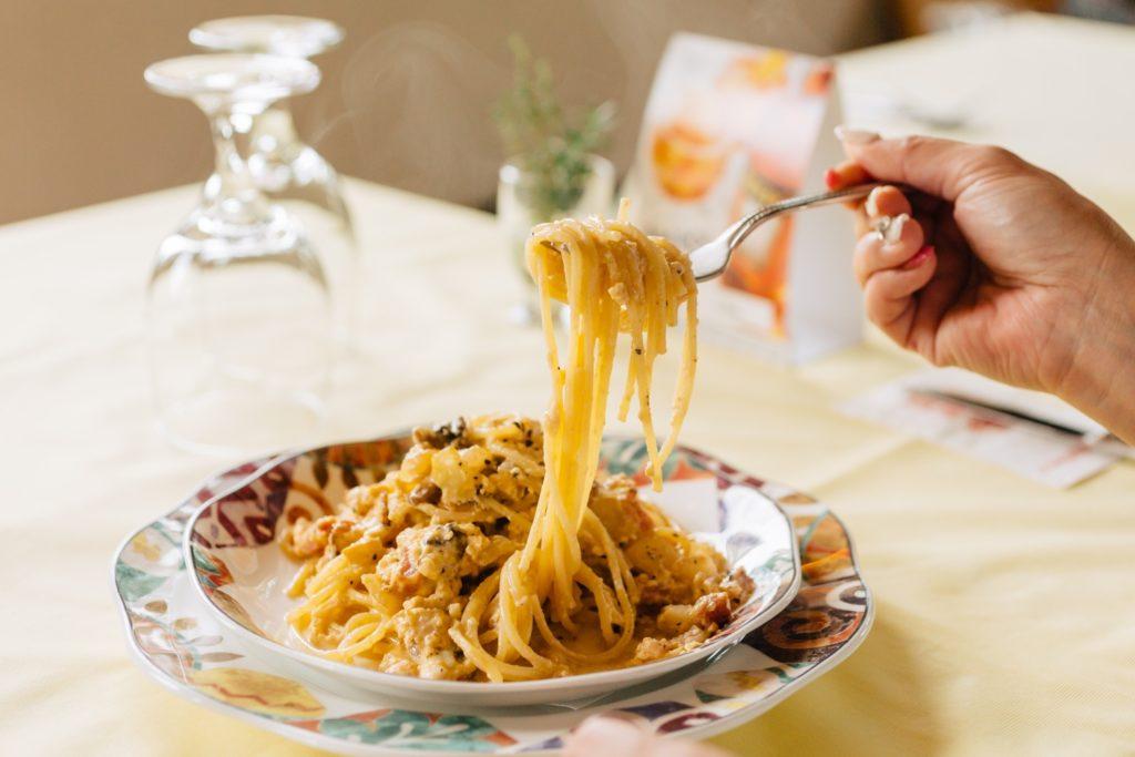 カルボナーラ 麺リフト