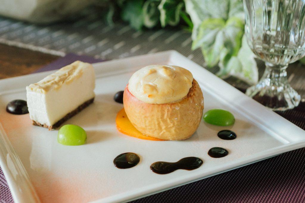 ハレノヒ食堂 デザートのローケーキ リンゴ